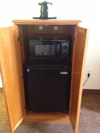 La Quinta Inn & Suites Las Vegas Airport N Conv.: microwave, frig and a one cup coffee maker