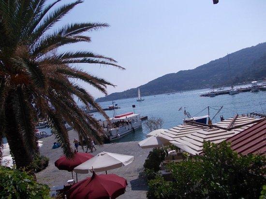 Affittacamere La Darsena : Vista sul mare dalla camera DOGE