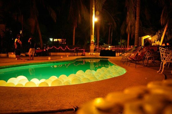 Hostal Shalom: Full moon party