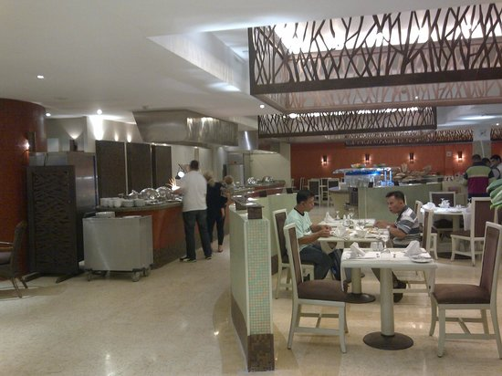 โรงแรมโนโวเทล ไคโร แอร์พอร์ต: Restaurant