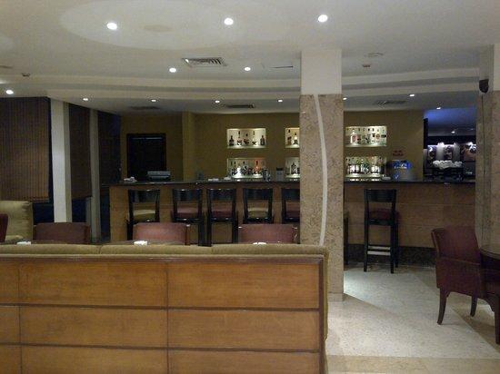 Novotel Cairo Airport: Bar