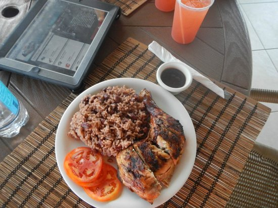 White Sands Negril: Delicious Jerk Chicken