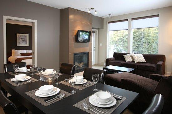 FireLight Lodge: 1 Bedroom Suite