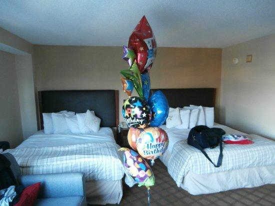 Four Points by Sheraton Orlando International Drive: Birthday balloons