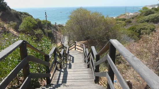 Praia da Oura : Steps from the beach