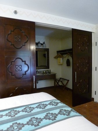 Room Divider Sliding Doors Between Bathroom And Bedroom Picture - Bathroom room divider