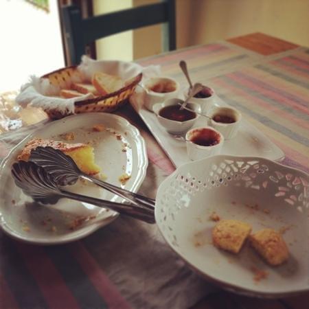 Eco B&B Lo Spigo: colazione allo Spigo...o meglio, quello che rimane della colazione!!