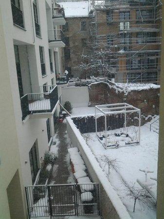 easyHotel Berlin Hackescher Markt: vista desde la ventana de mi habitación