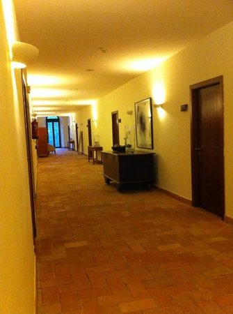 Hotel El Convent: pasillo habitaciones