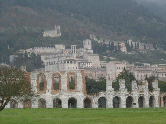 teatro romano con gubbio
