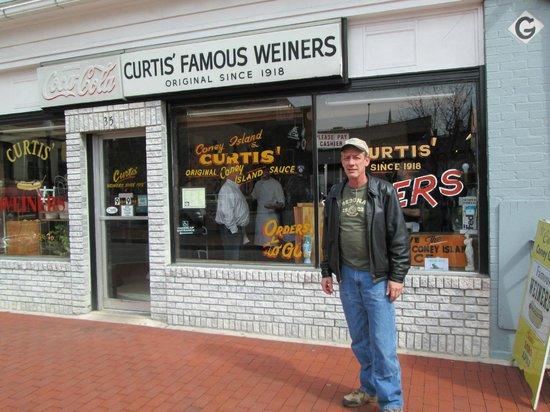 Curtis Famous Weiners : Curtis' Coney Island
