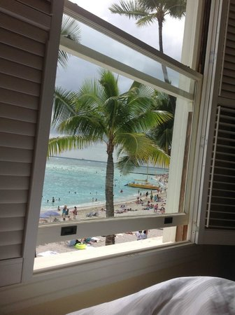 Moana Surfrider, A Westin Resort & Spa: view from bed