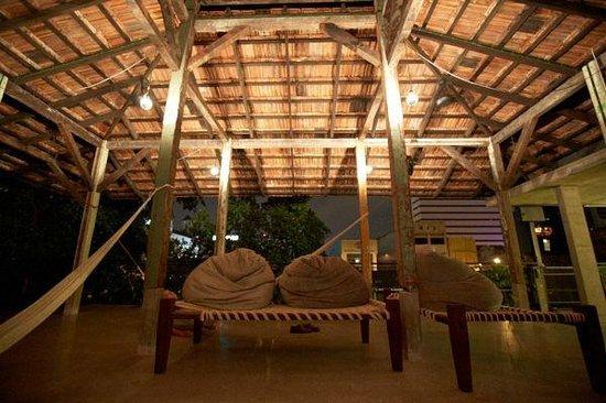 Sekeping Kong Heng: Roof top lounge area.