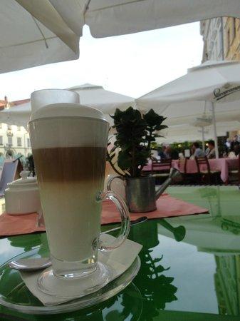 Restauracja Pod Gryfami: Kaffee Latte