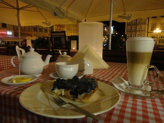 Restauracja Pod Gryfami: Am Abend