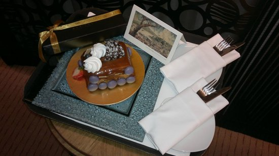 Sofitel Macau at Ponte 16: Our Anniversary Cake on the house.
