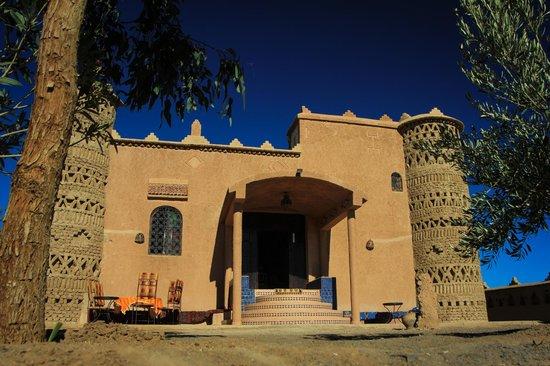 Dar Tafouyte : Sous le ciel bleu de Merzouga