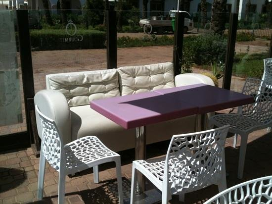 Ô Gourmet : outdoor seating area