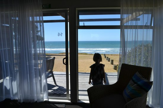 Papamoa Beach Resort: The view from the main bedroom