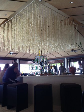 Lily Beach Resort & Spa: bar