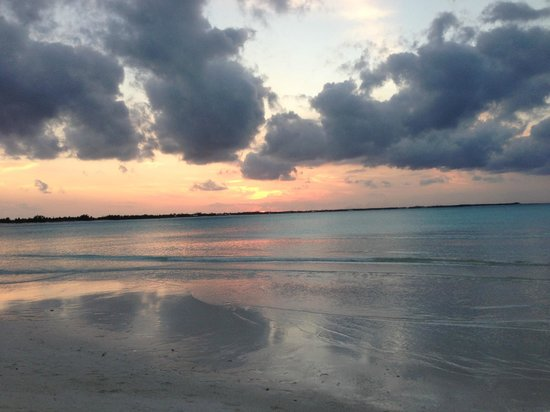 Treasure Cay Beach, Marina & Golf Resort: Beautiful sunsets