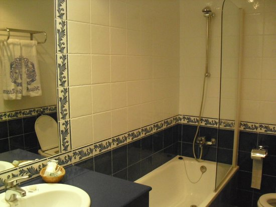 Hotel Principe de Asturias: Baño habitación