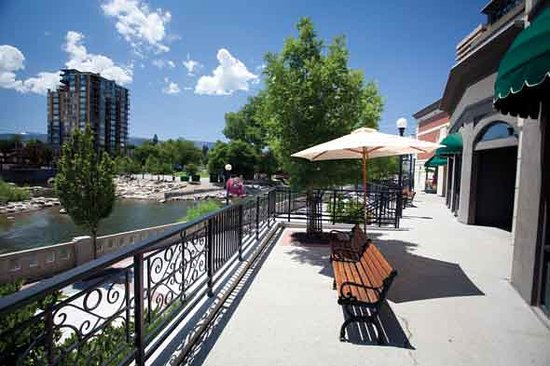 ‪Reno Riverwalk District‬