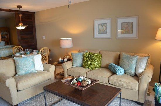 Sapphire Beach Resort: Comfortable furniture