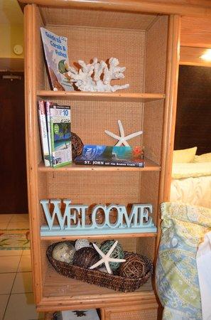 Sapphire Beach Resort: Decor at a renovated condo
