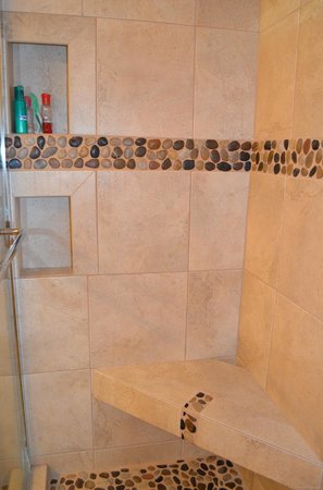 Sapphire Beach Resort: Bathroom in our condo
