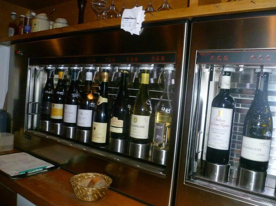 wine on tap picture of glou paris tripadvisor. Black Bedroom Furniture Sets. Home Design Ideas