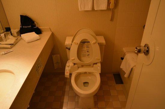 Hilton Osaka: ванная комната