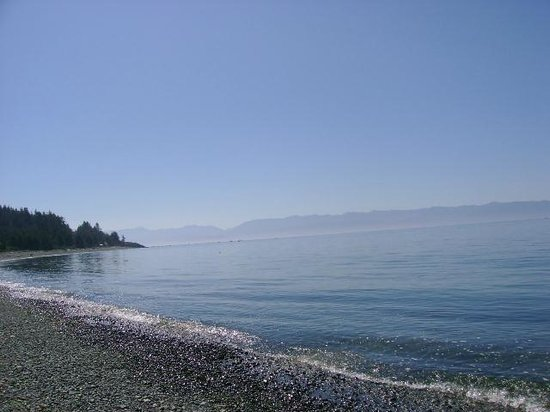 Straitview Ridge B&B: GORDON'S BEACH (BELOW OUR B&B)