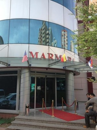 Beymarmara Suite Hotel: Main Entrance