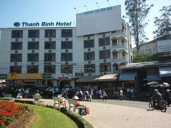 Thanh Binh Hotel: Hôtel sur la place