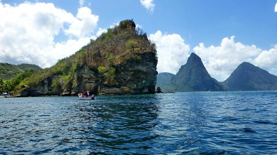 The Inn On The Bay: SCUBA divers near the Pitons, calm west coast of St Lucia