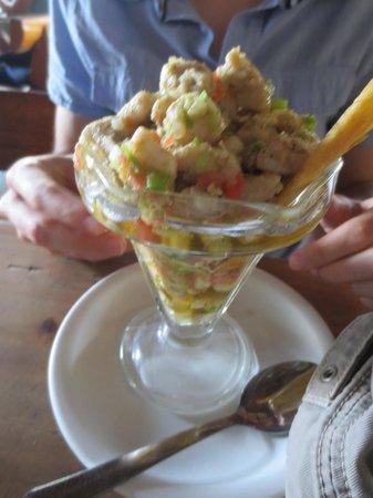 La Hola: Ceviche de Pescado Oliva