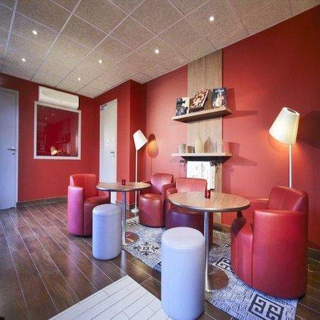 Campanile Caen Nord: Lounge