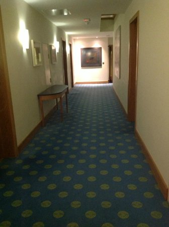 Kelly's Resort Hotel & Spa: part of the hall way to our room