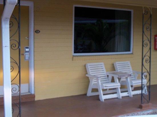 Americas Best Value Inn : exterior, outside of room