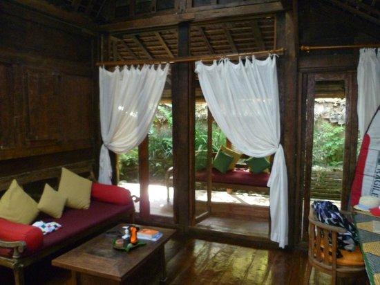 Bambu indah kolam house