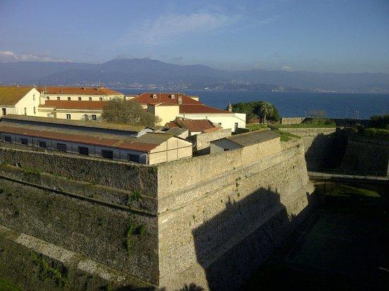 Hotel San Carlu Citadelle: Vue de la chambre (4ème)
