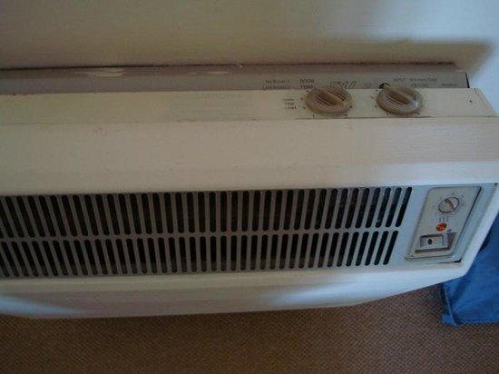 Wallett's Court Hotel: Heating unit from 70s