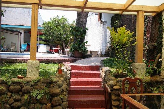Hotel Mi Tierra: Nice patio
