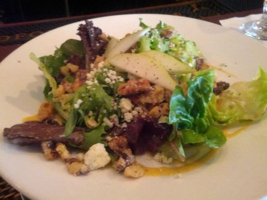 Zola Kitchen and Wine Bar: Baby Greens Salad w/ Walnuts, Pears and Mustar Vinaigrette