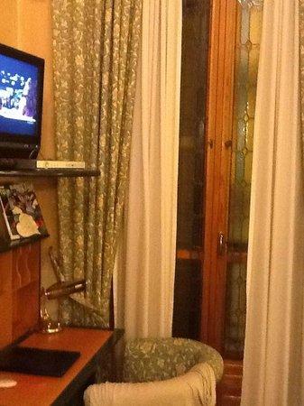 Best Western Hotel Genio: PARTICOLARE DELLA CAMERA