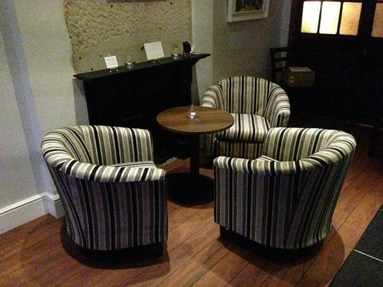 The Patchwork Mouse : comfy chairs