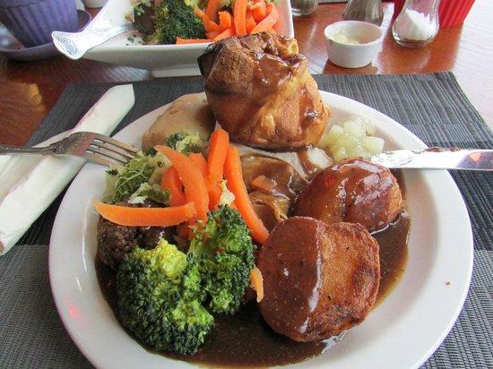 Three Jolly Sailors: Roast pork dinner