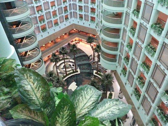 Jeddah Hilton Hotel : Beautiful interior..