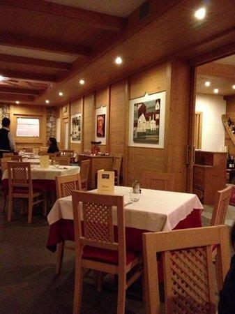 Hotel Alpine Mugon : sala da pranzo